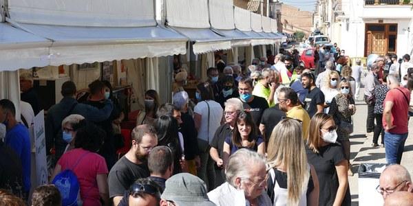Expositors a la Plaça del Mercat de Bellcaire a FiraBell