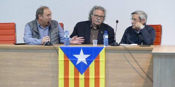 Joan Tardà, amb l'alcade Jaume Montfort i Vicent Font